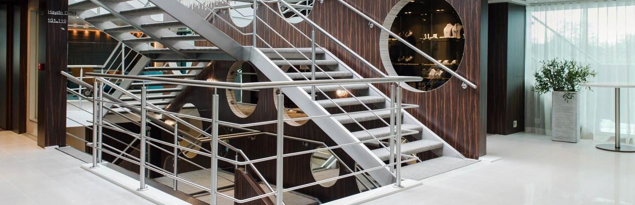 Amadeus Queen Staircase