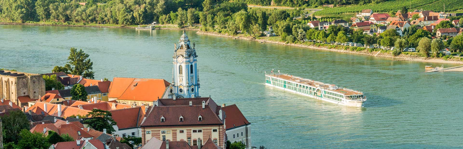Amadeus Silver on the river Danube