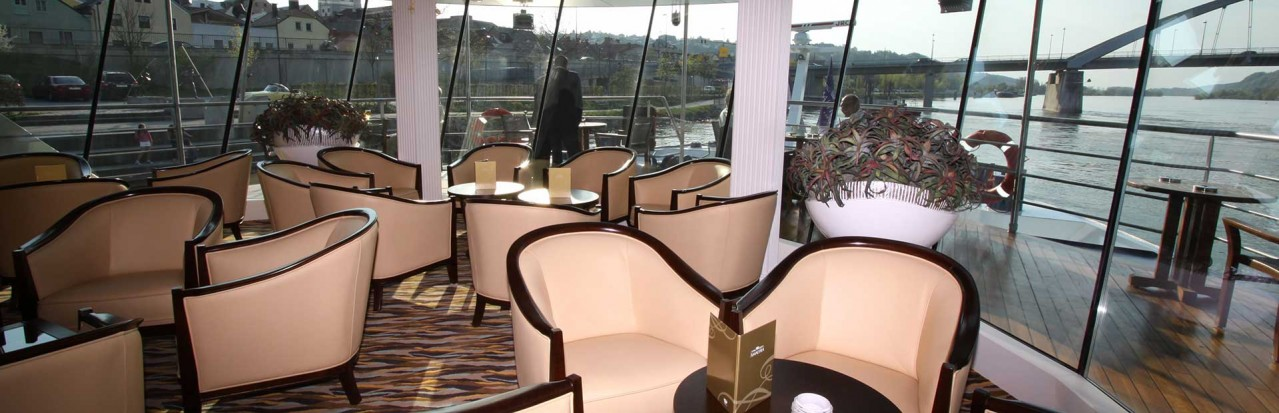 AmaWaterways Amadante Panoramic Lounge