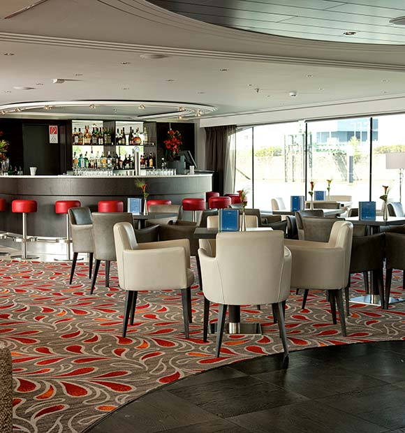 Avalon Expression Panorama Lounge