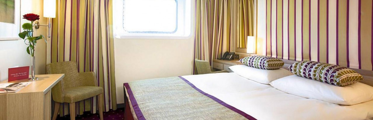 Shearings MS A Rosa Flora Stateroom