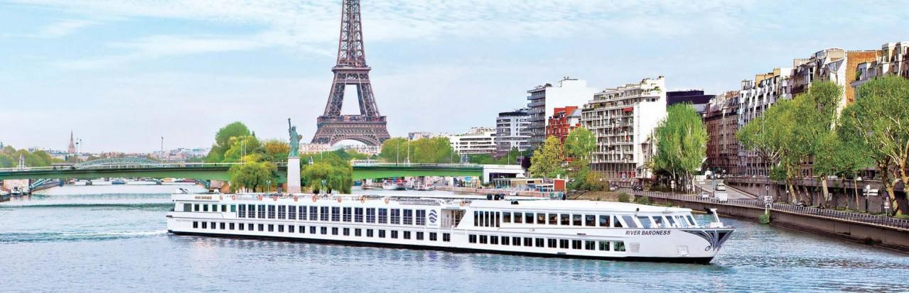 Uniworld Baroness in Paris